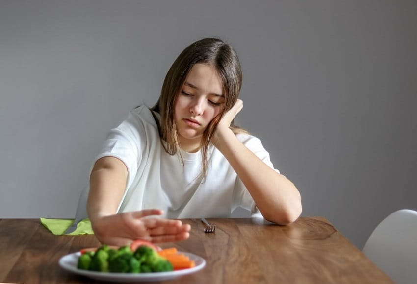 Are You Stress-Eating Here's How To Stop !