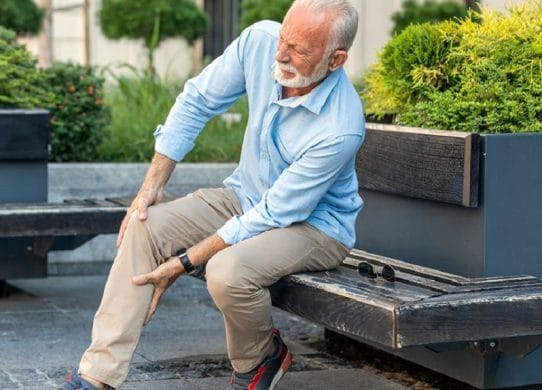 Smoking & Joint Pain – Why Smokers Have More Aches And Pains?