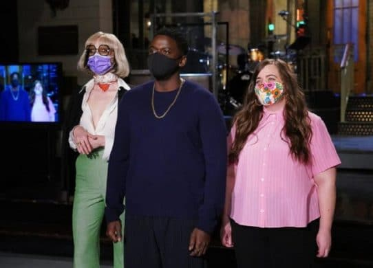 Daniel Kaluuya makes 'SNL' debut as game show host convincing family to take the COVID-19 vaccine !