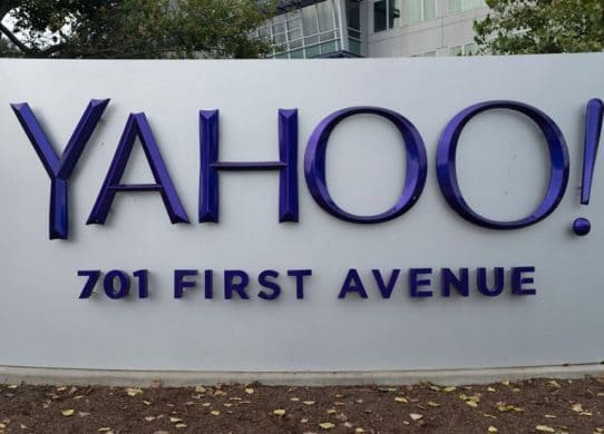 Verizon sells Yahoo and AOL as part of $5 billion deal !