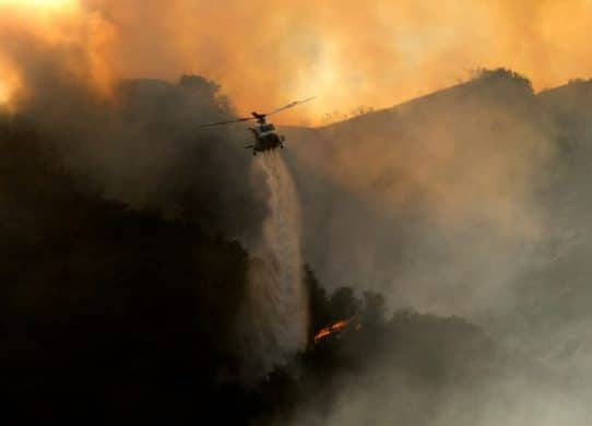 Wildfire near Los Angeles grows to 1,325 acres; arson suspect detained, authorities say !