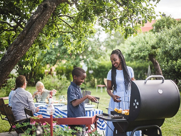 How to Navigate Planning a Summer BBQ if You're Worried About the Delta Variant !