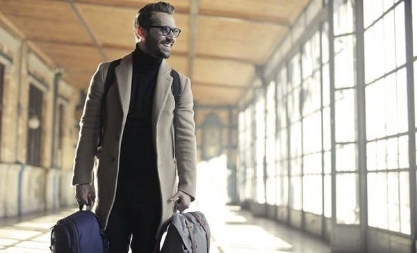 How-to-Travel-Like-A-Boss-Without-Packing-Light